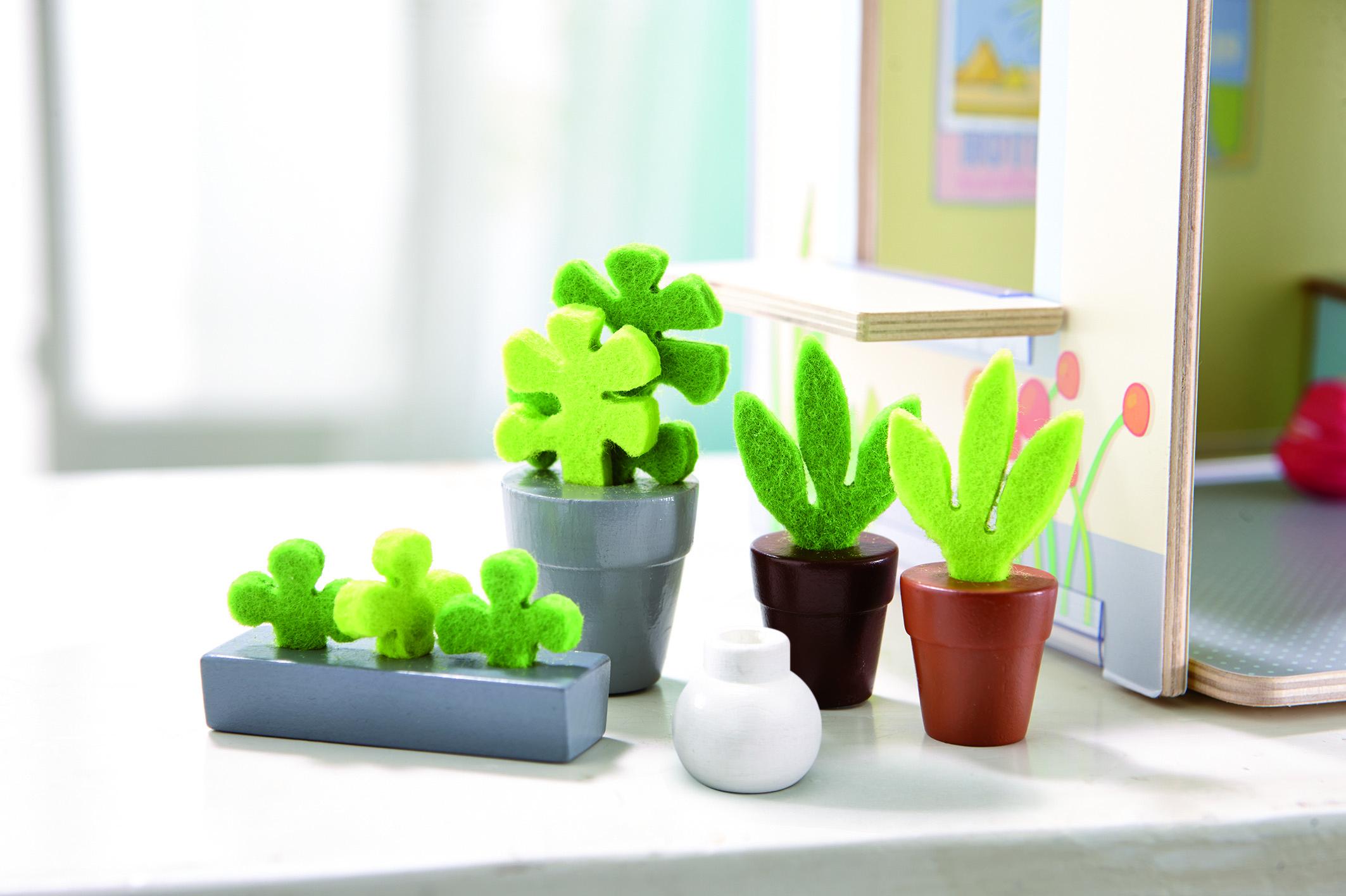 Accessoires pour maison de poupée  Little Friends  fleurs et plantes - à  partir de 3 ans - SeBio 35eda0e9d52c