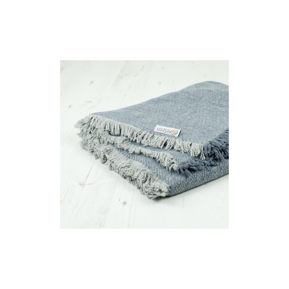 Couverture   plaid en laine recyclée Zig Zag Denim - 130 x 170 cm ... b9d8b2eaea2