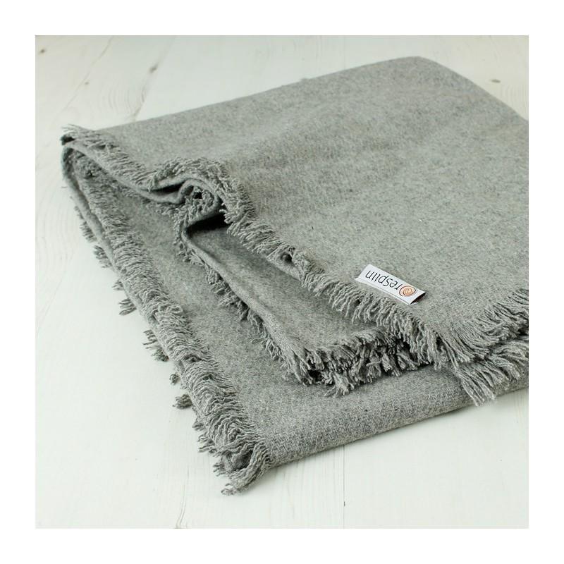 ac02a37082ee Couverture   plaid en laine recyclée Gris clair - 130 x 170 cm - SeBio